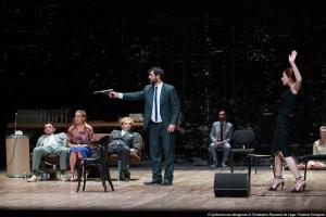 [Festival d'Avignon 14 – Critique] La Ronde du Carré par Dimitris Karantzas