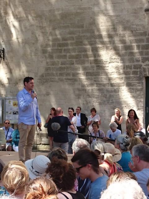 Olivier Py ouvre le Festival en présentant le spectacle.