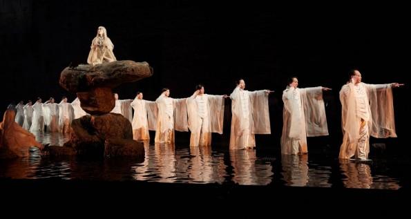 [Théâtre – Critique] Antigone / Satoshi Miyagi