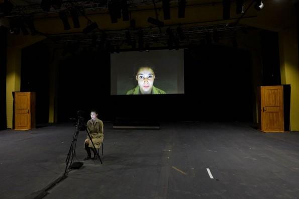 [Théâtre – Critique] Roberto Zucco – Prologue. Sur le théâtre / Yann-Joël Collin